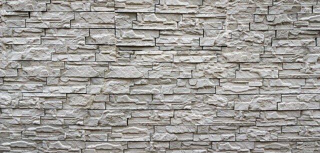 czym wyrównać ściany