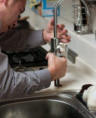 Zakup urządzeń sanitarnych i hydraulicznych